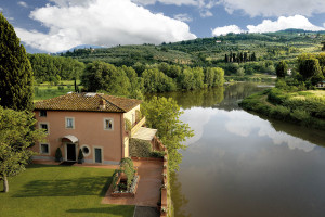 The Villino and the Arno river