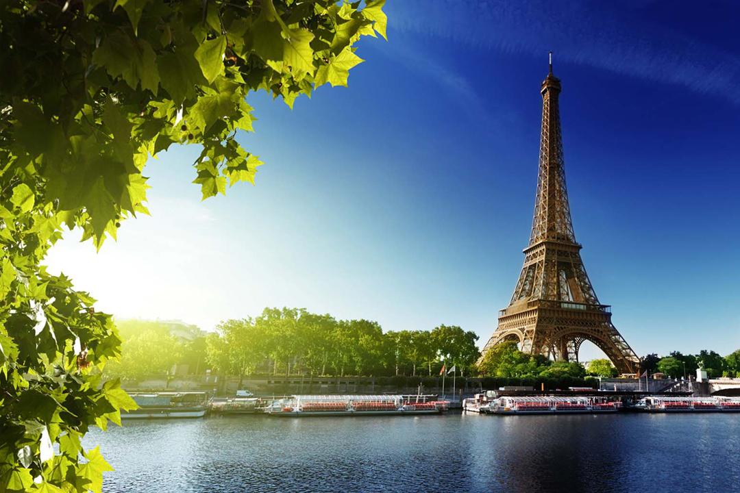 paris walking tours vft voyages