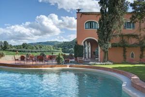 The swimming pool, horizontal view