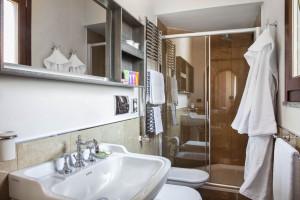Bathroom, Villa Nocetta