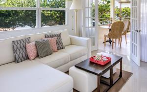 Calabash Superior Suite Living Room