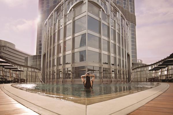 Armani_Pool