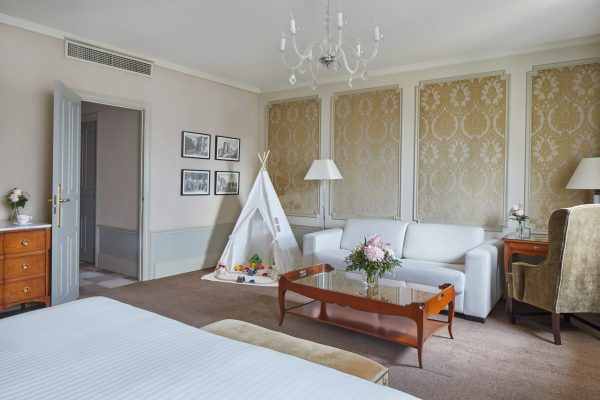 El Palace Barcelona Family Suite00014